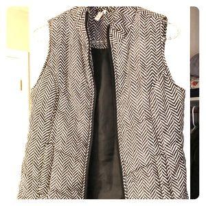 Jackets & Blazers - Black/white herringbone print vest